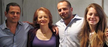 Real Intercultural Family in Guatemala: Hebrew, Spanish, Portuguese and English